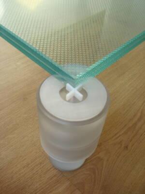 Pavimenti flottanti in vetro temprato