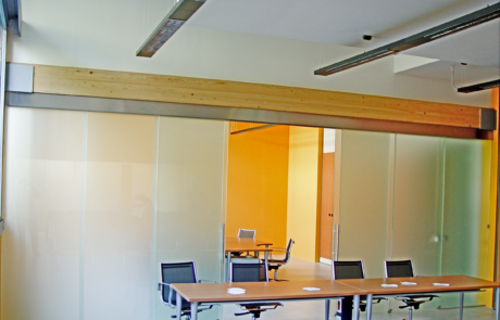 sistemi scorrevoli in vetro temprato e partizioni mobili. soluzioni per sale riunioni e conferenze